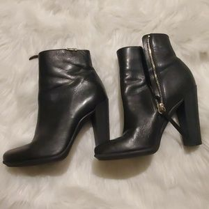 Clavin Klein ankle length leather boot